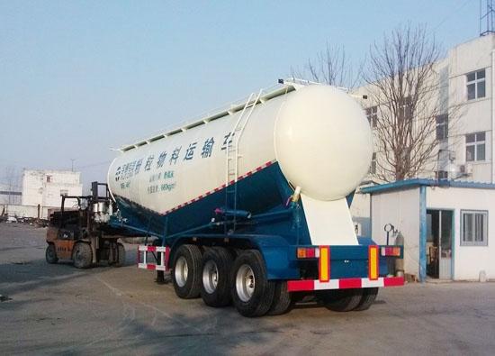 粉粒物料运输车