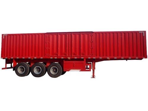 红色厢式运输半挂车